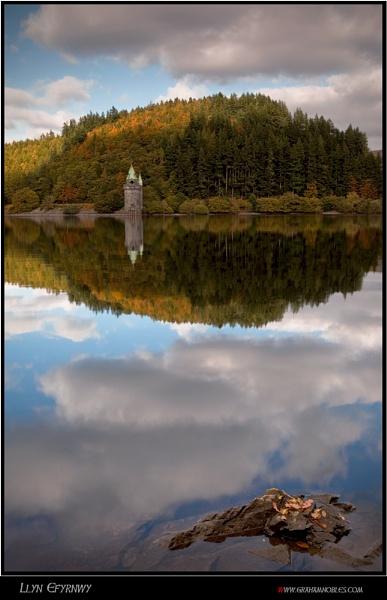 Llyn Efyrnwy by GrahamNobles