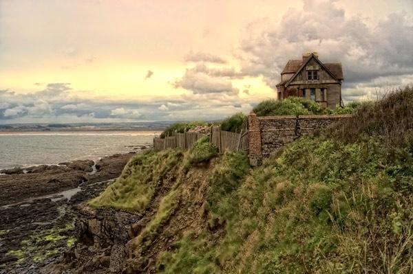 Derelict house, Westward Ho! by manindevon
