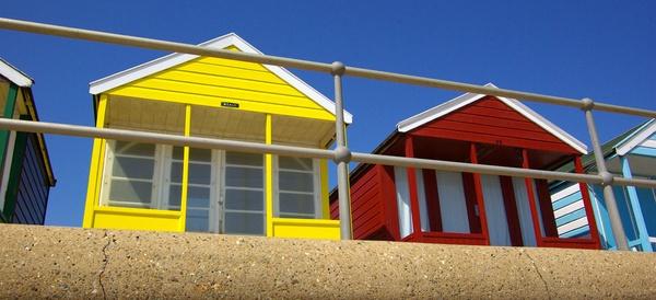 Beach huts by pentaxian