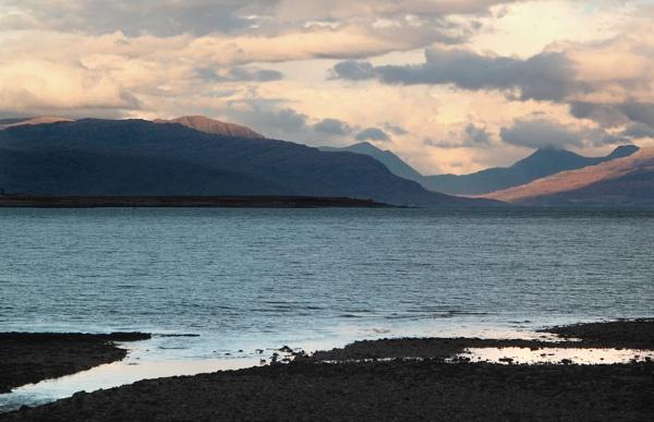 Skye Light! by geegee