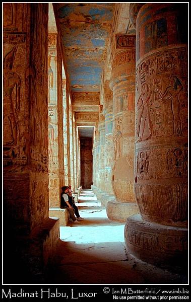 Madinat Habu, Luxor by ianbutty