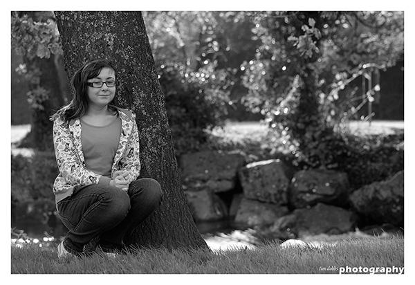 Outdoor Portrait B&W by kerrang