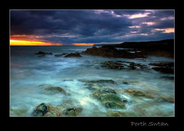 Porth Swtan by Alfoto
