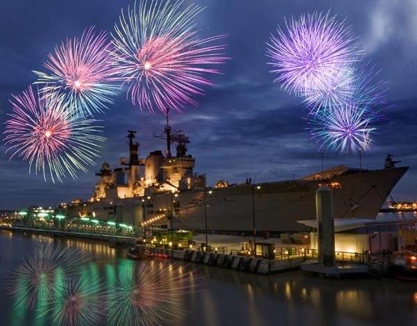 Lusty Fireworks by urdygurdy