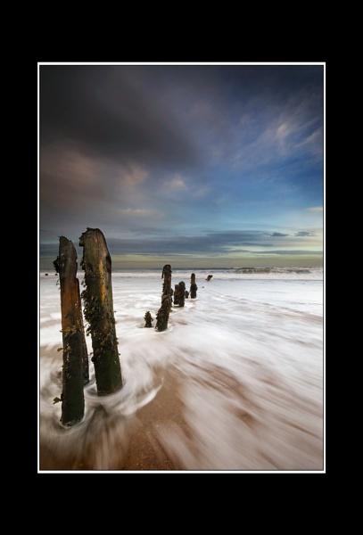 Sandsend Groynes 2 by iansnowdon