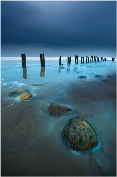 Sandsend Groynes 3 by iansnowdon