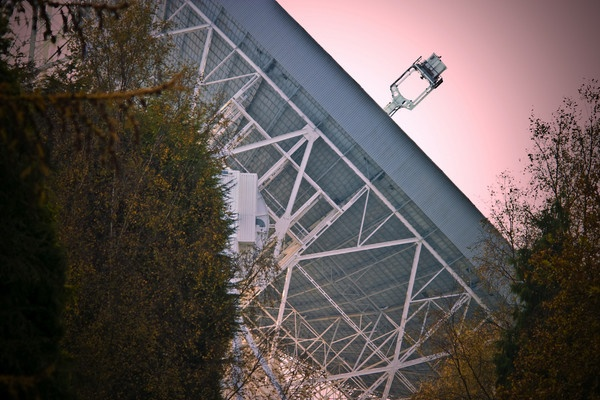 Jodrell Bank Radio Telescope by wippers
