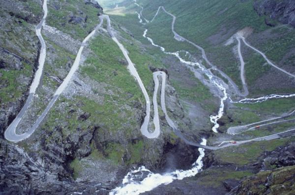 Mountain Road by jinstone