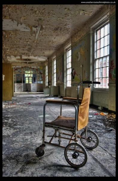 The Old Asylum by edsephiroth