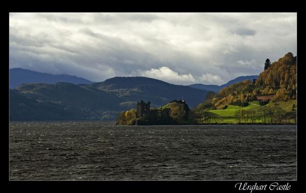 Urqhart Castle by fazzer