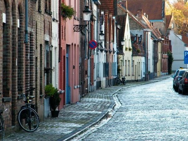 Street in Bruges by erichoulder
