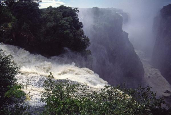 Victoria Falls by jinstone