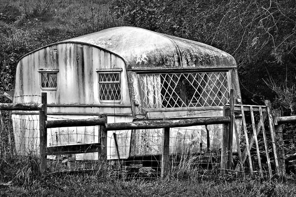 Corosive Caravan by Kenfromsot