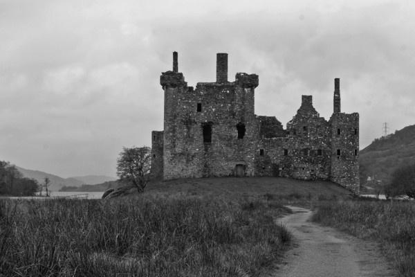 Kilchurn castle by RichieL