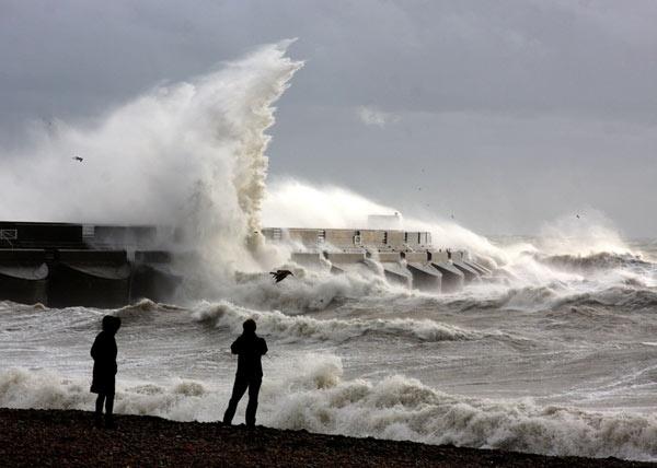 Storm at Sea by tjdup