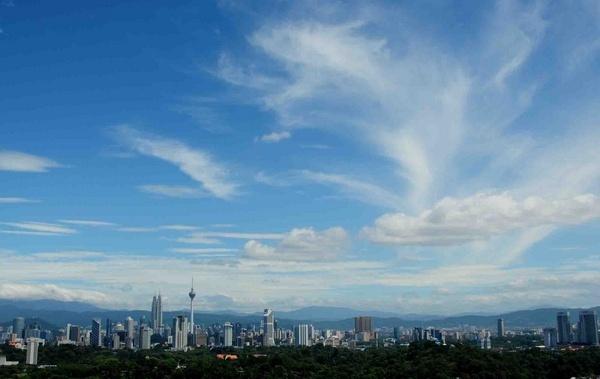 KL sky by Titi