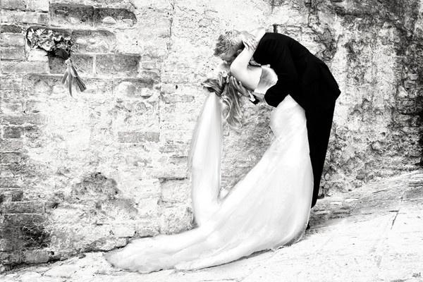 Wedding Embrace.... by samanthawordie