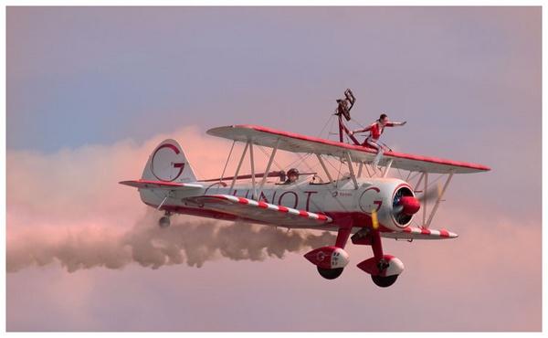 Stunt plane by marathonman