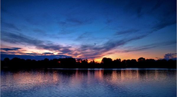 Sunset Symmetry by ringyneck