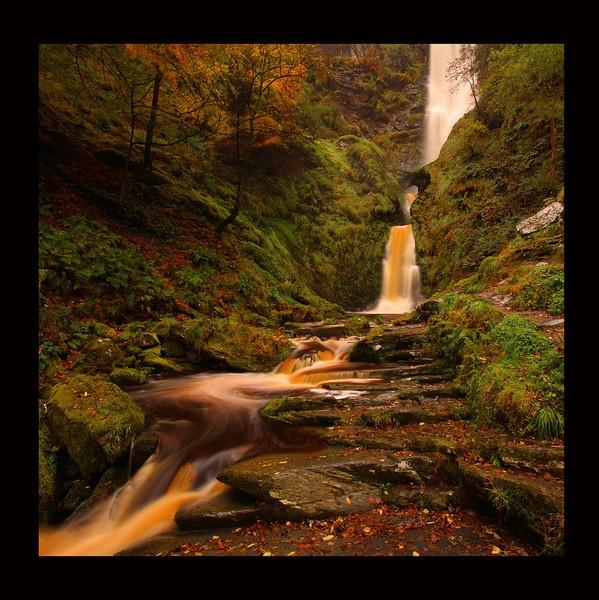 Pistyll Rhaedr Waterfall by acididko