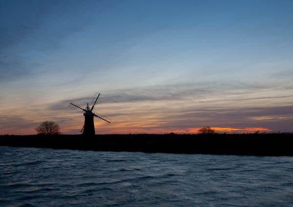 Norfolk Broads Sunset by cmf