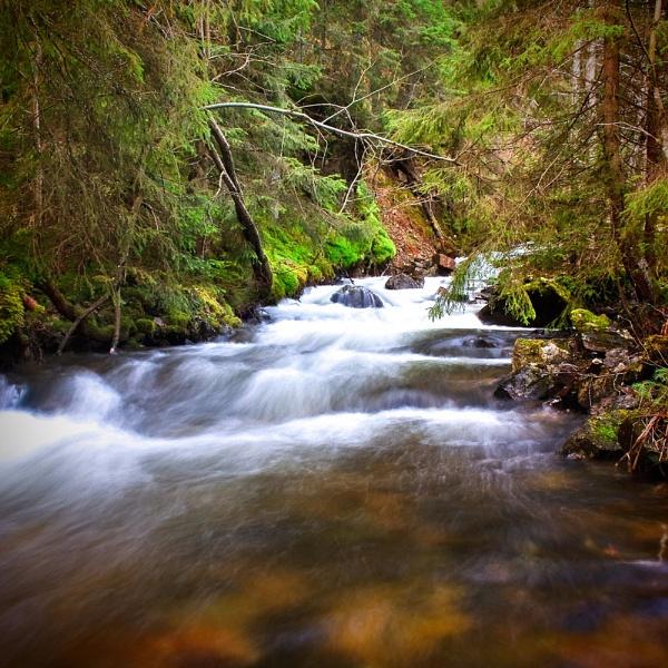 River by bjornval