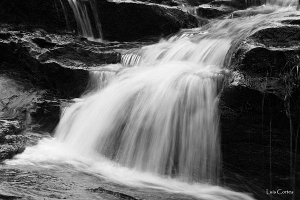 Dochart Waterfall by looboss