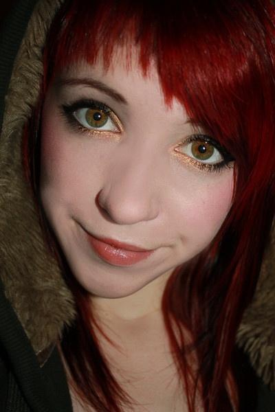Gold eyes by RRRhea