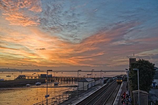 Morning train by manindevon