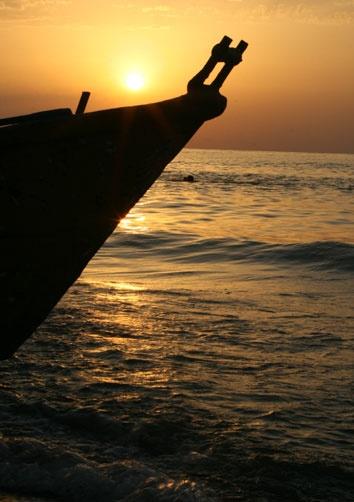 Boat sunset by amirrezaee