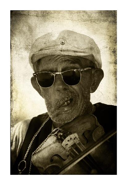 Fiddler by wyatturp