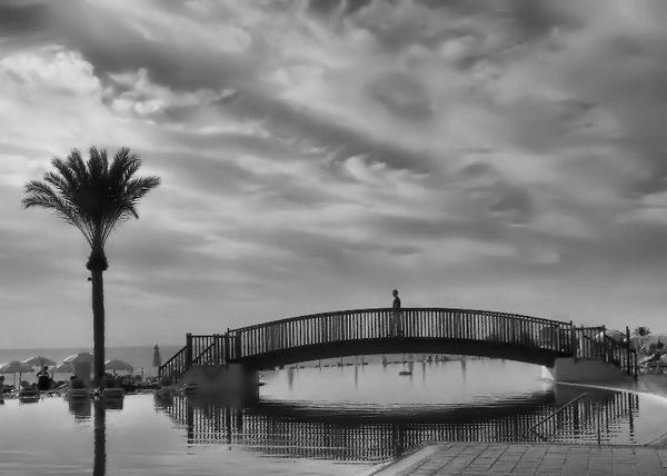 Stormy Skies by Arrem