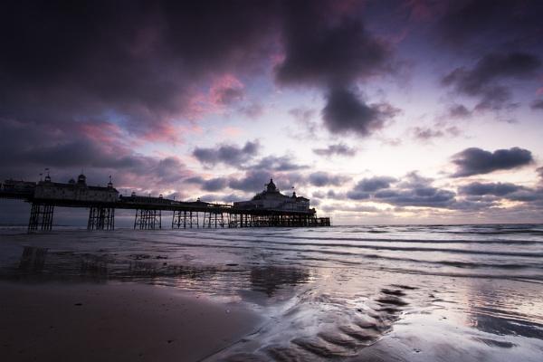 Eastbourne Pier by smartiemart