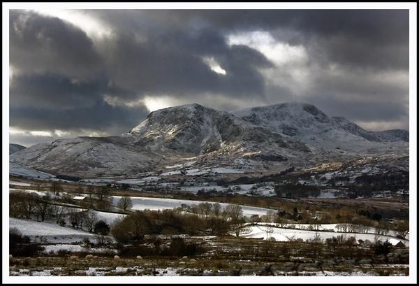 Snowy Cader Idris by urdygurdy