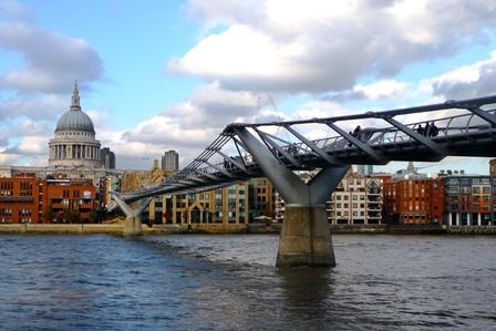 St Pauls & Millennium Bridge by derry