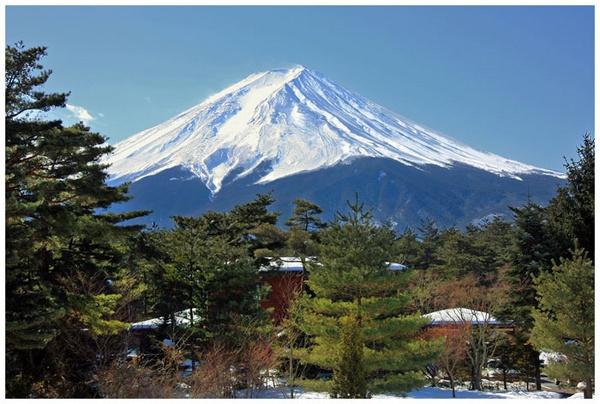 Mount Fuji in Winter by marathonman