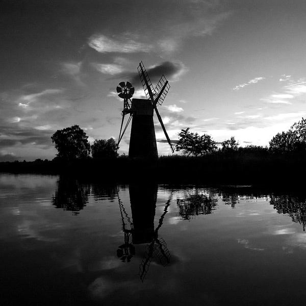 Windmill on How Hill by edjbartos