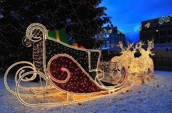 Santa\'s sleigh by RonnieAG
