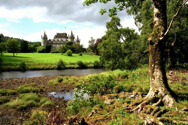 Inveraray Castle by RonnieAG