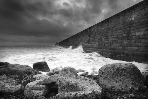 Tynemouth Pier by nstewart