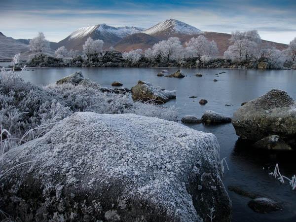 Frozen Loch Nah-Achlaise by robbiebreadner