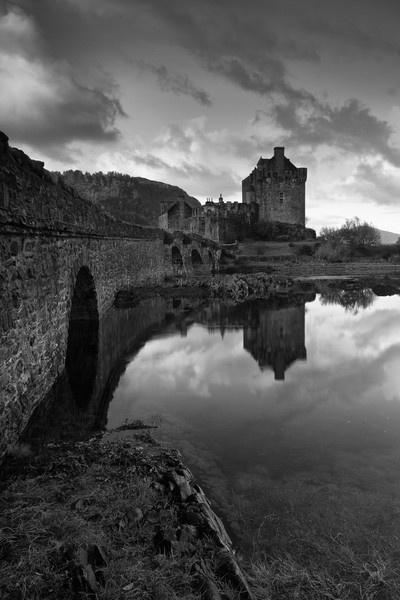 Eilean Donan by pmaccyd