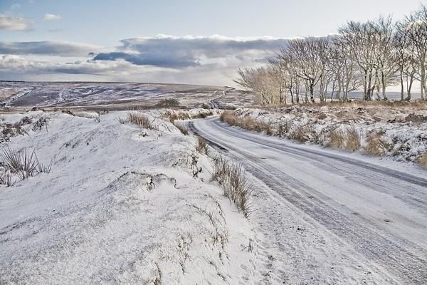 Snowy scenes on Exmoor by chasing_tarmac