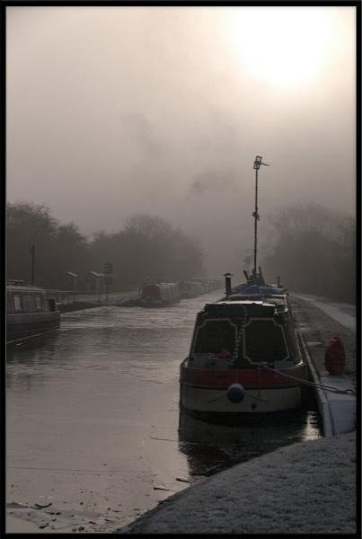 Norbury in the Fog by pberridge