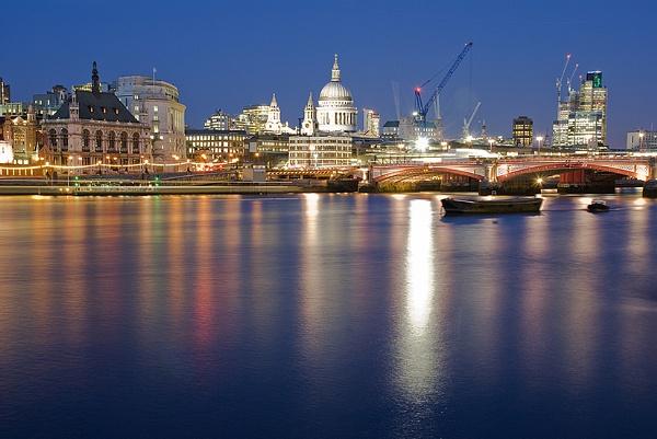 River Thames by sitan1
