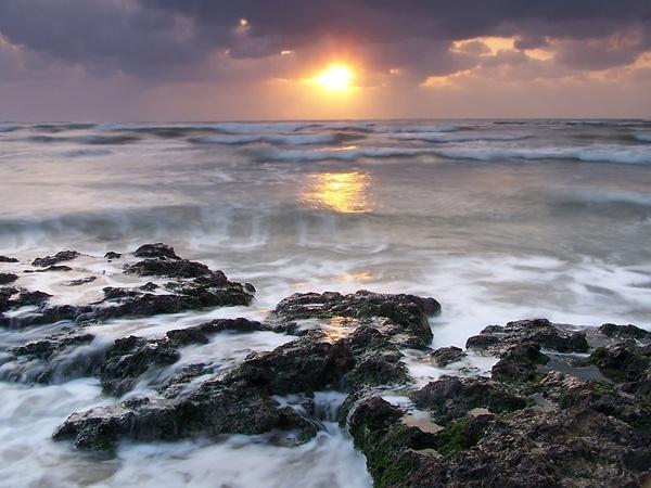 sunset bay by HuHuLin