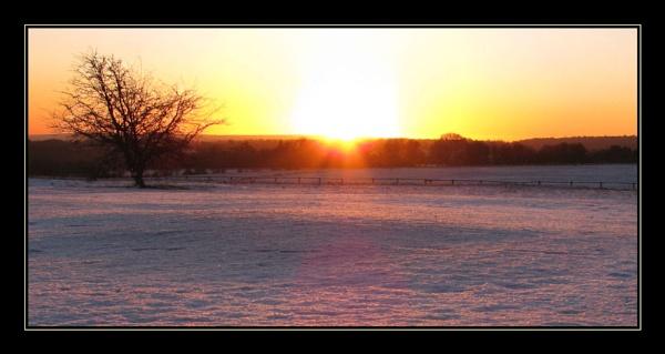 Sunday Sunset by Swanvio