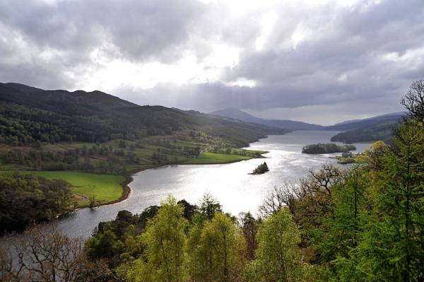 Loch Tummel by RonnieAG
