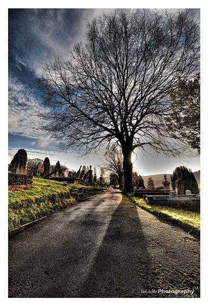 Graveyard HDR by kerrang