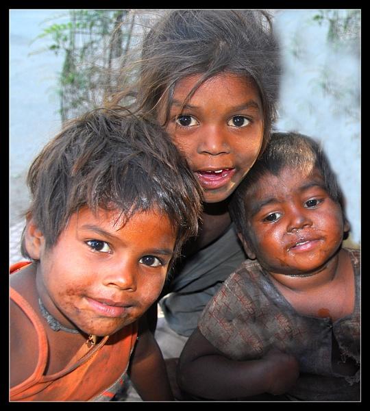 Street kids Delhi by Bertadd